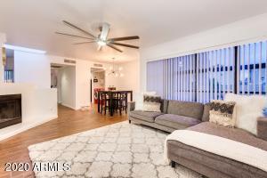 3228 W GLENDALE Avenue, Phoenix, AZ 85051