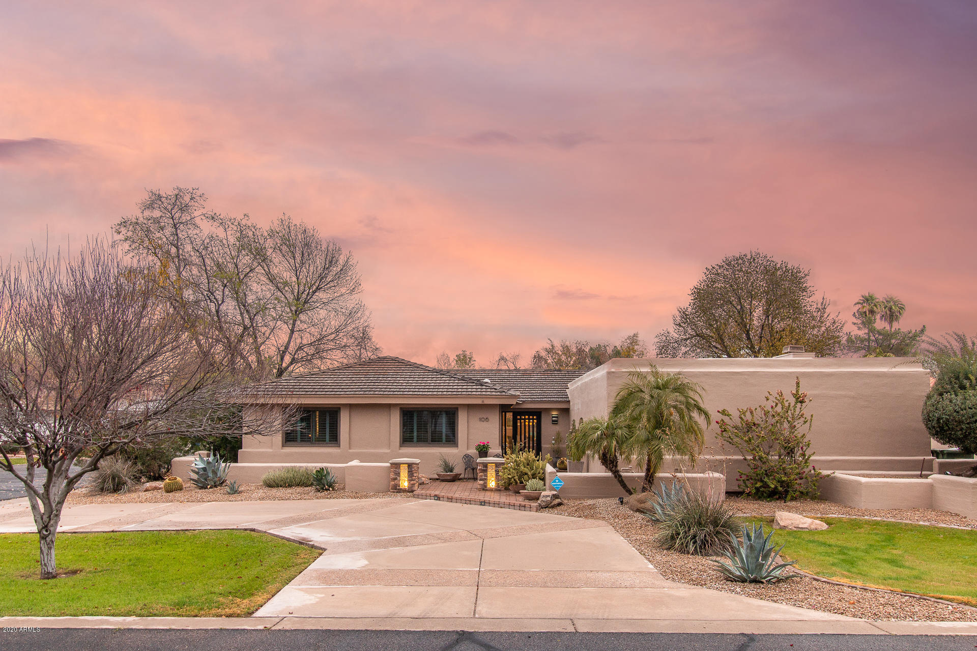 Photo of 106 E COLT Road, Tempe, AZ 85284