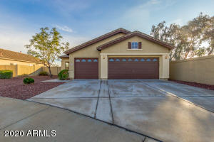 Move in ready 1751 sq ft. bd/2ba + den