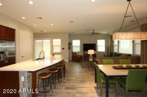 Beautiful Great Room & Eat in Kitchen