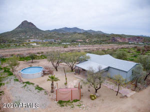 Private New River solace w/views of Gavilan Peak & Daisy Mtn