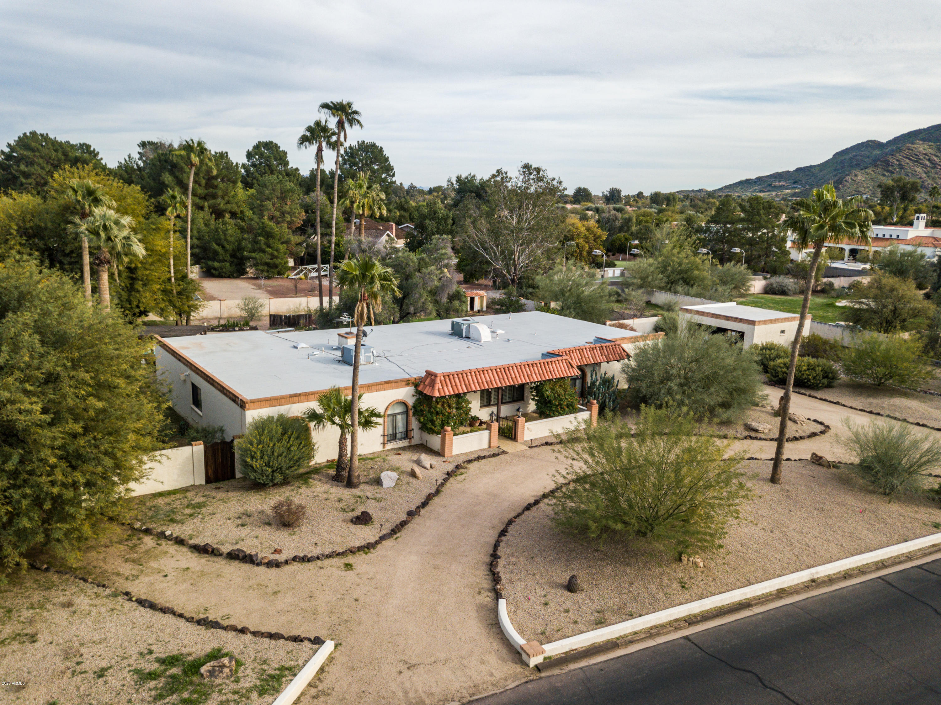 Photo of 9015 N Foothills Manor Drive, Paradise Valley, AZ 85253