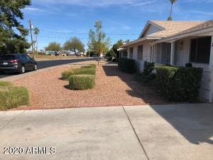 11649 N Coggins Drive, Sun City, AZ 85351