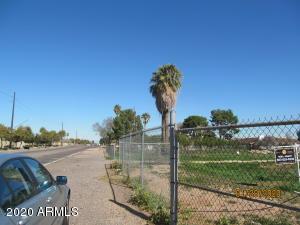 7111 N 83RD Avenue, 004, Glendale, AZ 85303