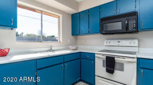4613 W CARON Street, Glendale, AZ 85302