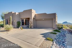 Welcome to your home with a Flat driveway and beautiful Red Rock Mtn & McDowell Mountain Views from nearly every window!!!