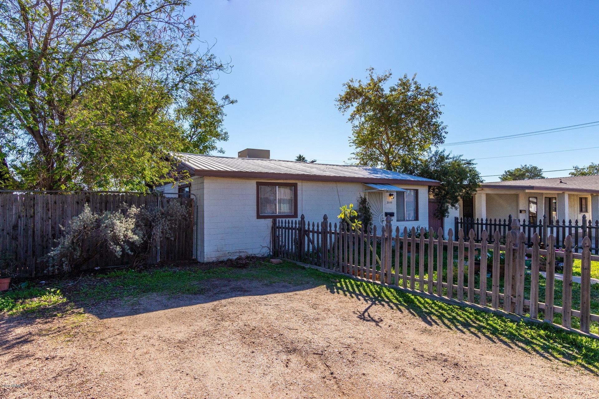 Photo of 2009 E DON CARLOS Avenue, Tempe, AZ 85281