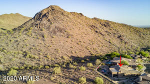 Hiking trails directly behind this home! WALK RIGHT OUT A GATE INTO THE MOUNTAIN PRESERVE HIKING TRAILS!!!