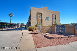 Very cute 2 bedroom 2 bathroom condo with many upgrades. Stainless steel appliances, granite countertops, tile floors, washer /dryer Refrigerator included. This upstairs unit id very spacious and with views of Camelback Mountain