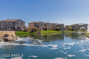 890 W GRAND CANYON Drive, Chandler, AZ 85248