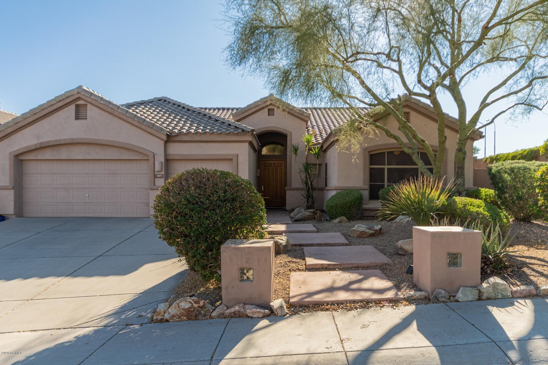 Photo of 601 E SILVERWOOD Drive, Phoenix, AZ 85048