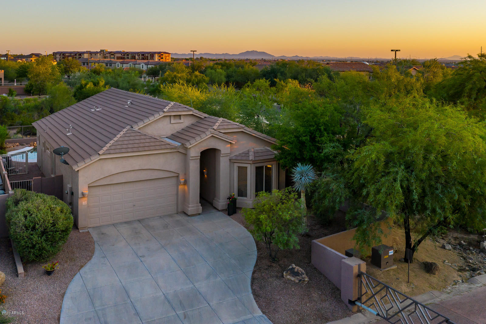 3055 N Red Mountain 73 --