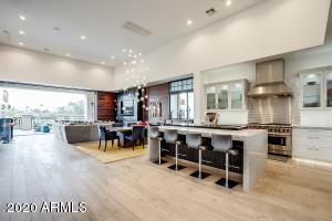 2 BILTMORE Estate, 206, Phoenix, AZ 85016