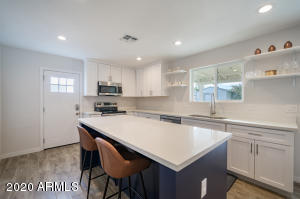 313 W UTOPIA Road, Phoenix, AZ 85027
