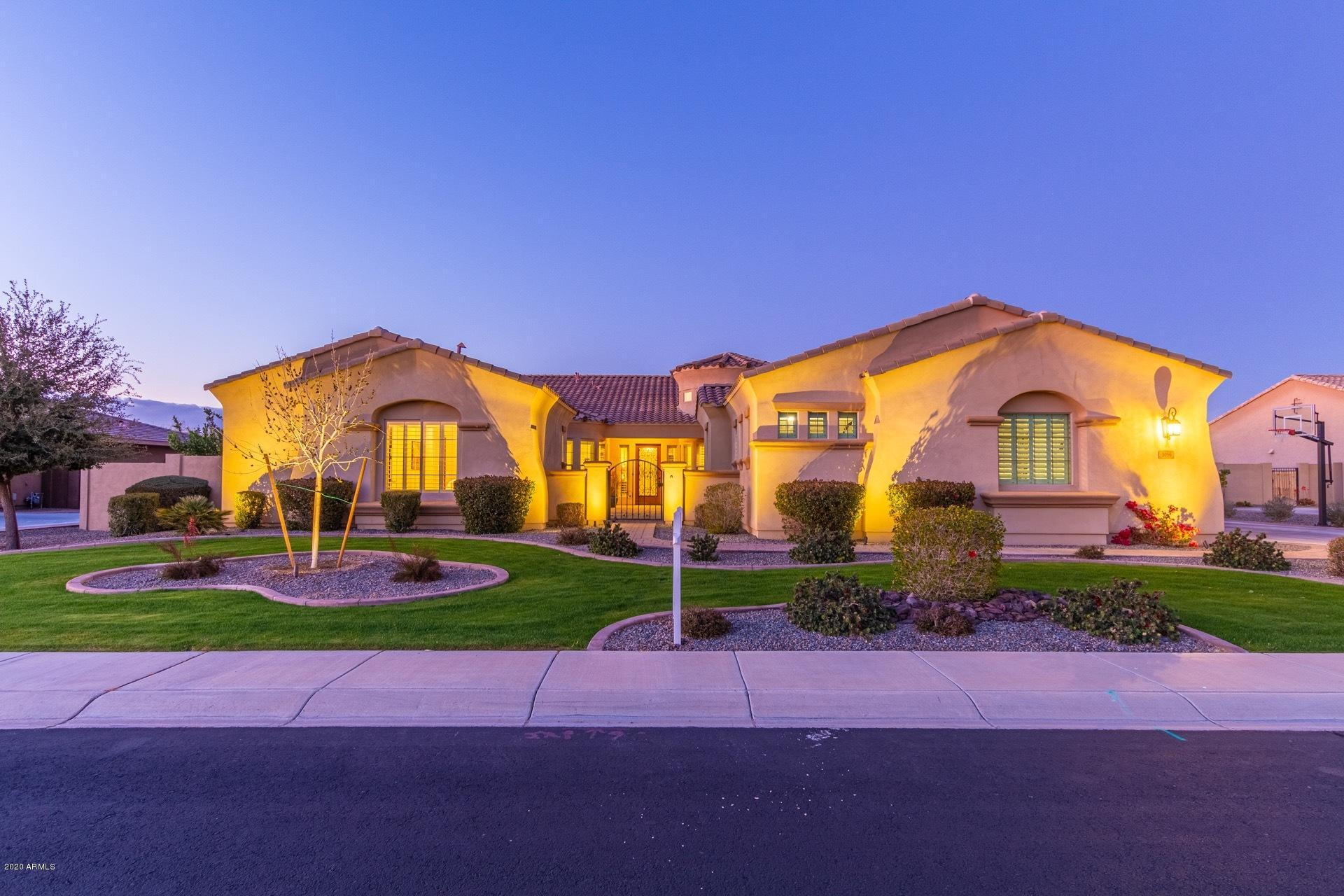 Photo of 3056 E LA COSTA Drive, Gilbert, AZ 85298