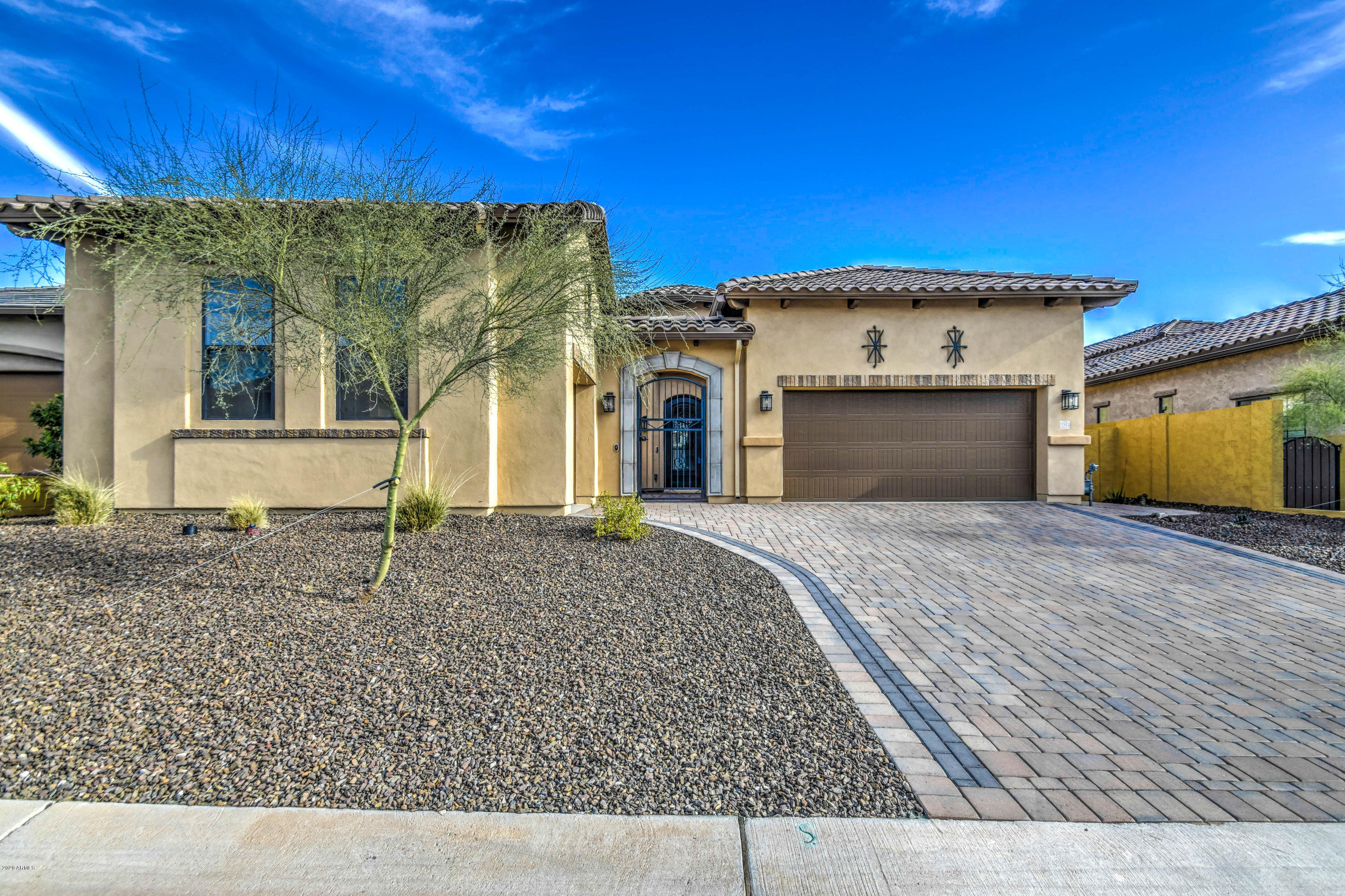 Photo of 2253 N TROWBRIDGE Street, Mesa, AZ 85207