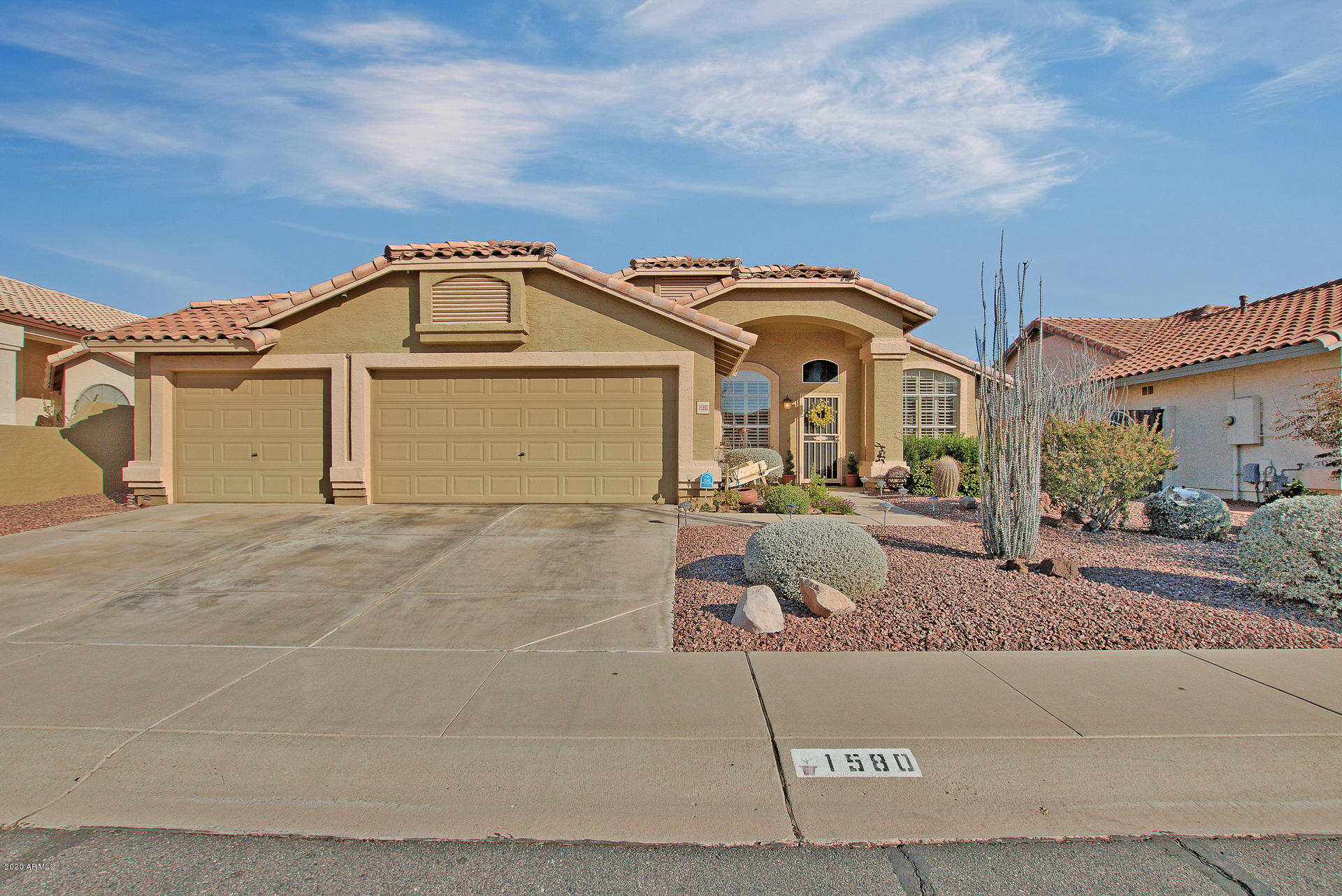 Photo of 1580 W WINCHESTER Way, Chandler, AZ 85286