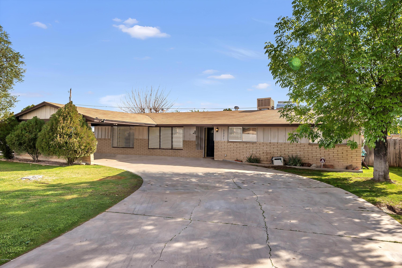 Photo of 3831 W GRISWOLD Road, Phoenix, AZ 85051
