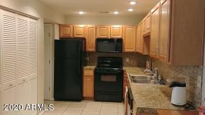 13636 N HAMILTON Drive, 103, Fountain Hills, AZ 85268