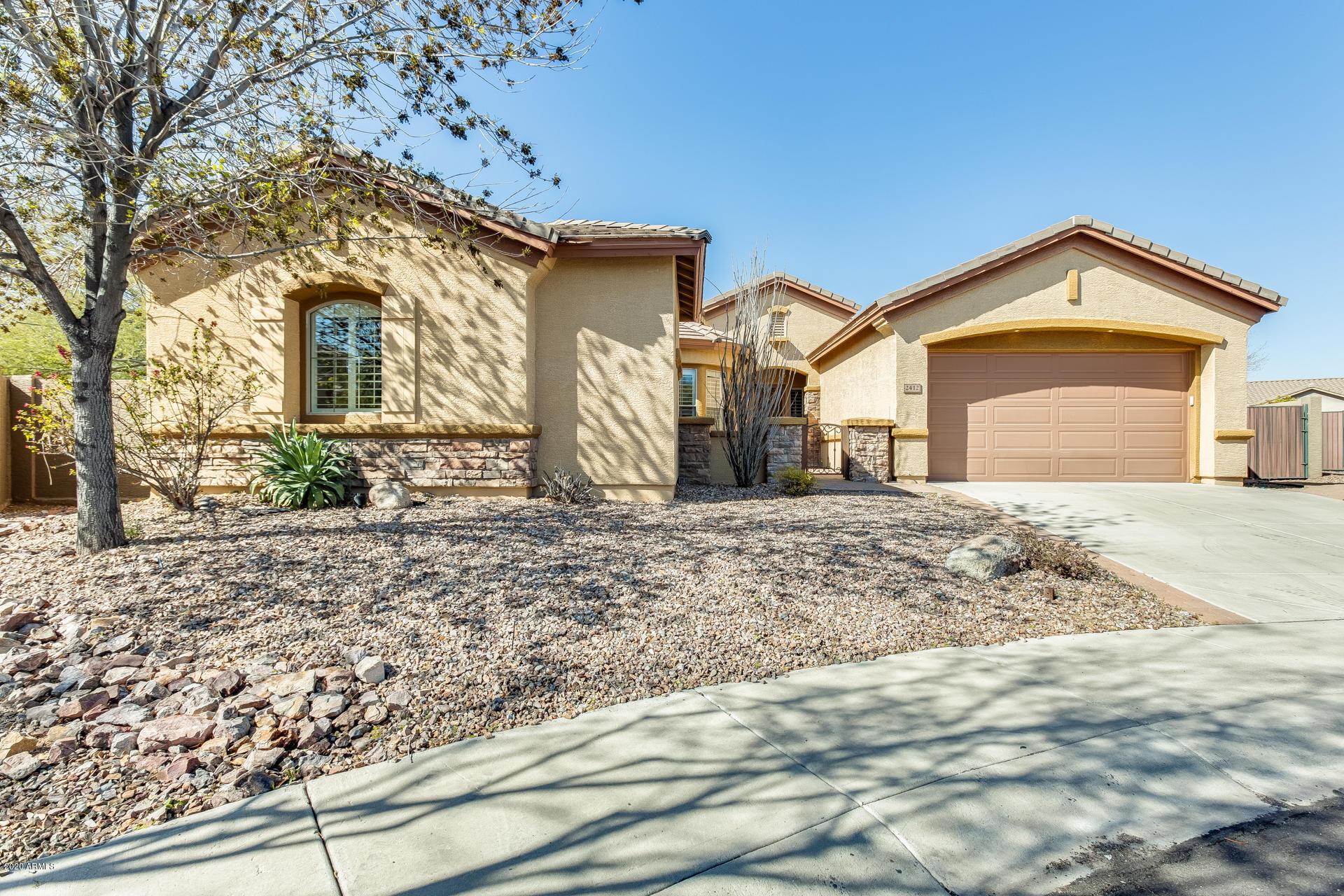 Photo of 2412 W KIT CARSON Court, Phoenix, AZ 85086