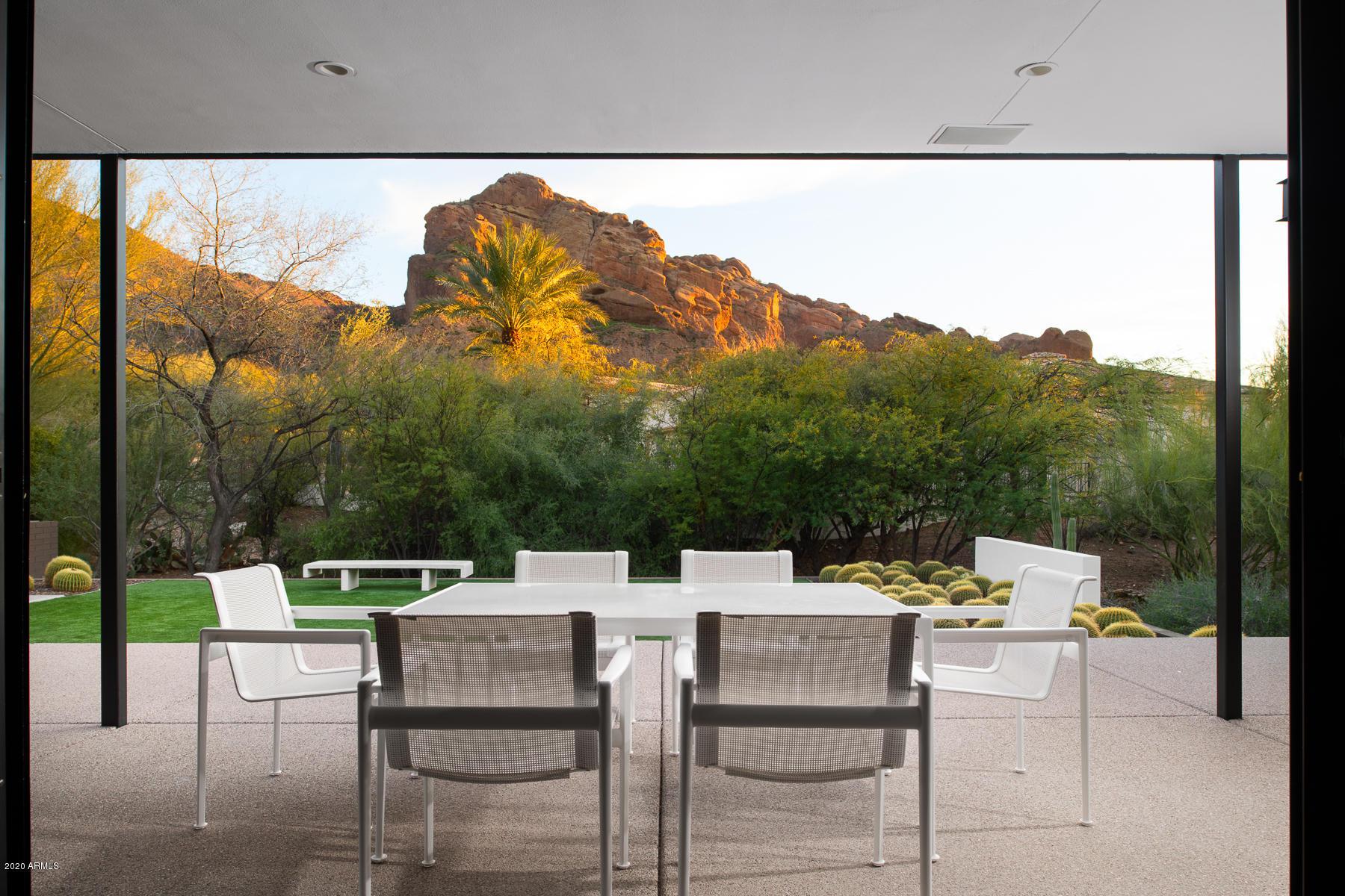 Photo of 6122 N 51ST Place, Paradise Valley, AZ 85253