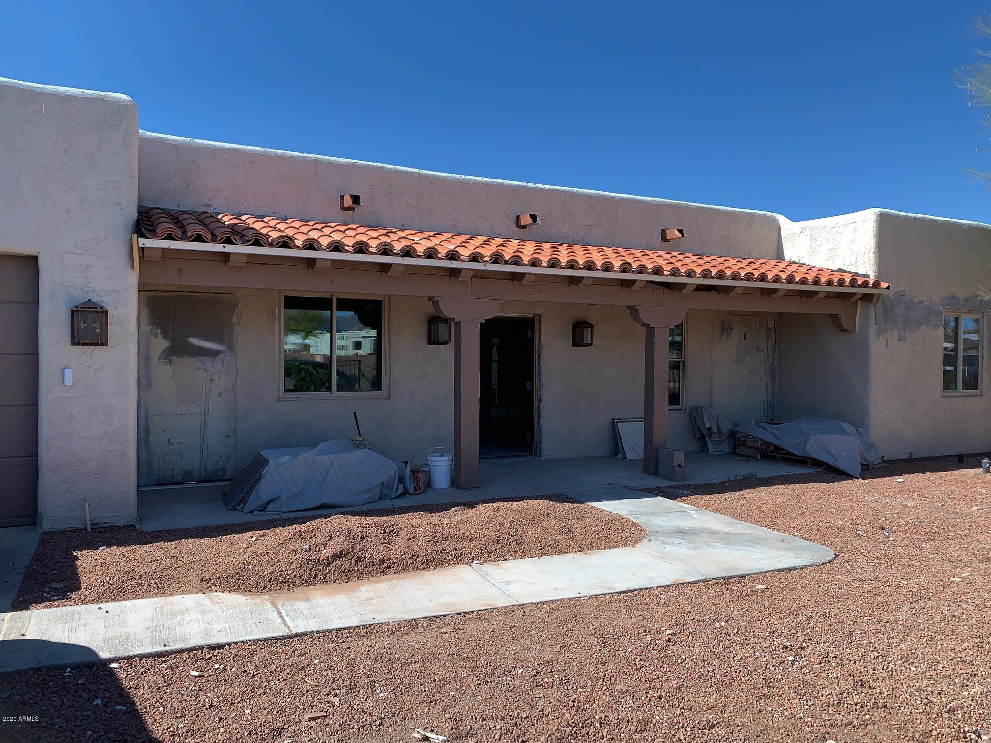 Photo of 182 N SAGUARO Drive, Apache Junction, AZ 85120