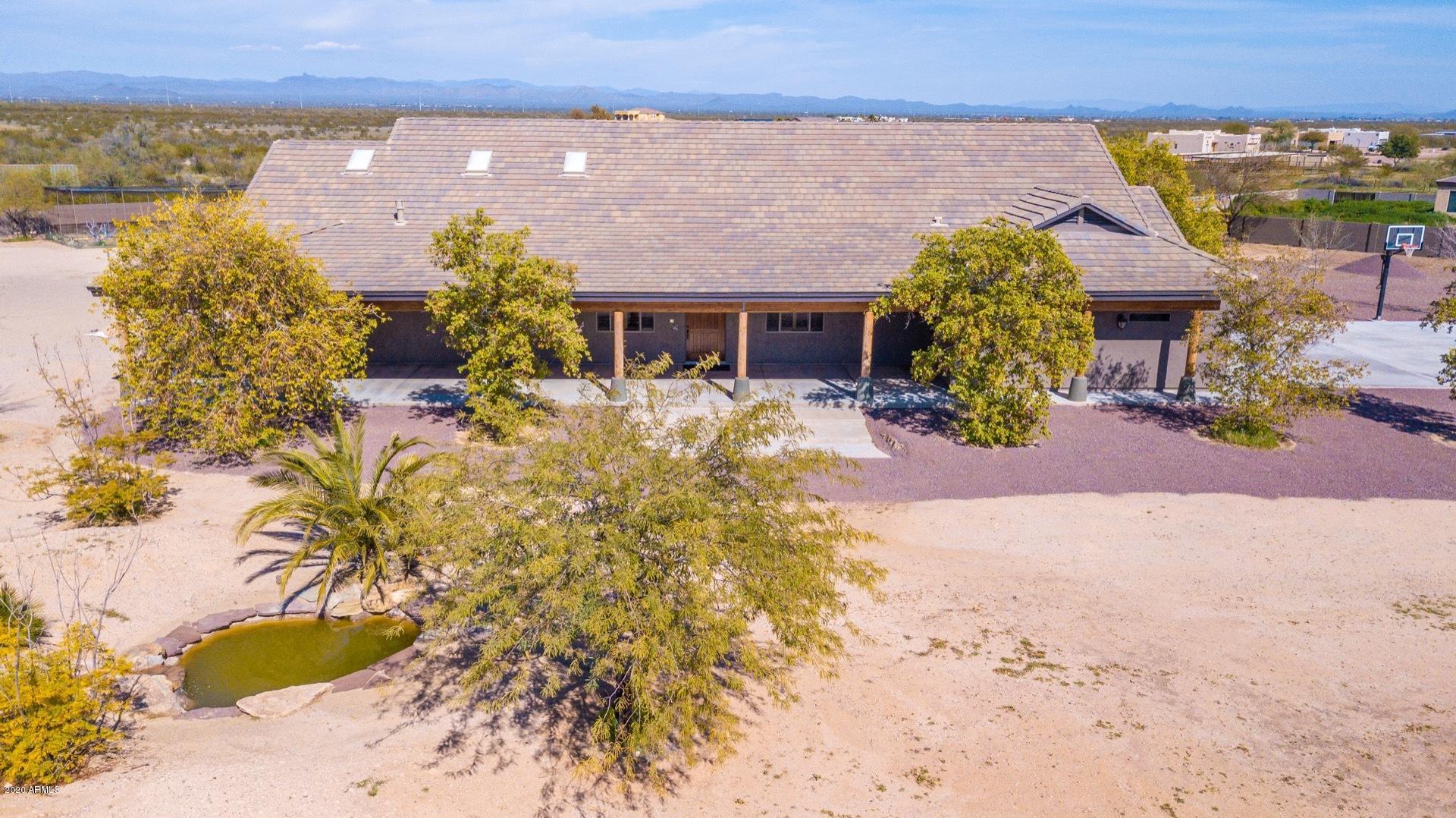 Photo of 25830 W Dixileta Drive, Wittmann, AZ 85361
