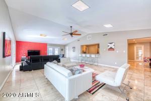 3415 E CAMELBACK Road, Phoenix, AZ 85018