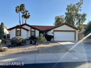 9133 W COUNTRY GABLES Drive, Peoria, AZ 85381
