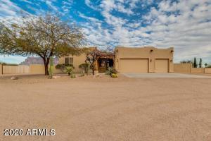 329 S CHAPARRAL Road, Apache Junction, AZ 85119