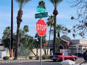 6834 W Flynn Lane, Glendale, AZ 85303