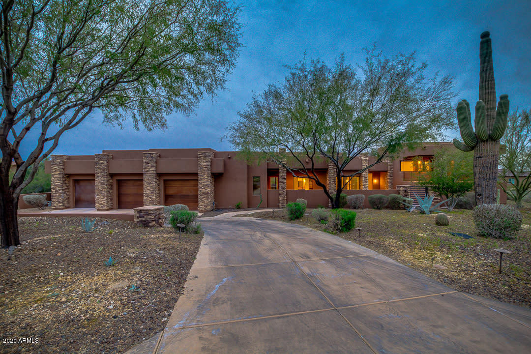 Photo of 5365 E PRICKLEY PEAR Road, Cave Creek, AZ 85331