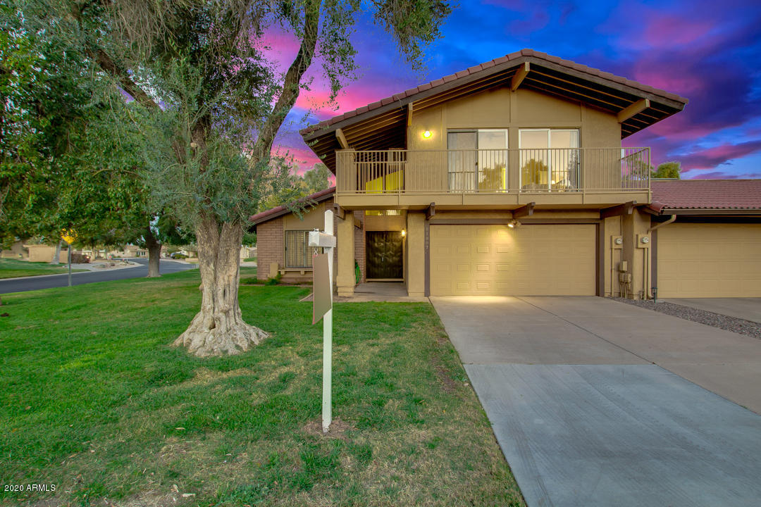 Photo of 11807 S TONOPAH Drive, Phoenix, AZ 85044