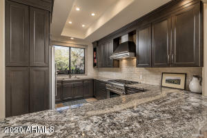 7200 E RIDGEVIEW Place, 1, Carefree, AZ 85377