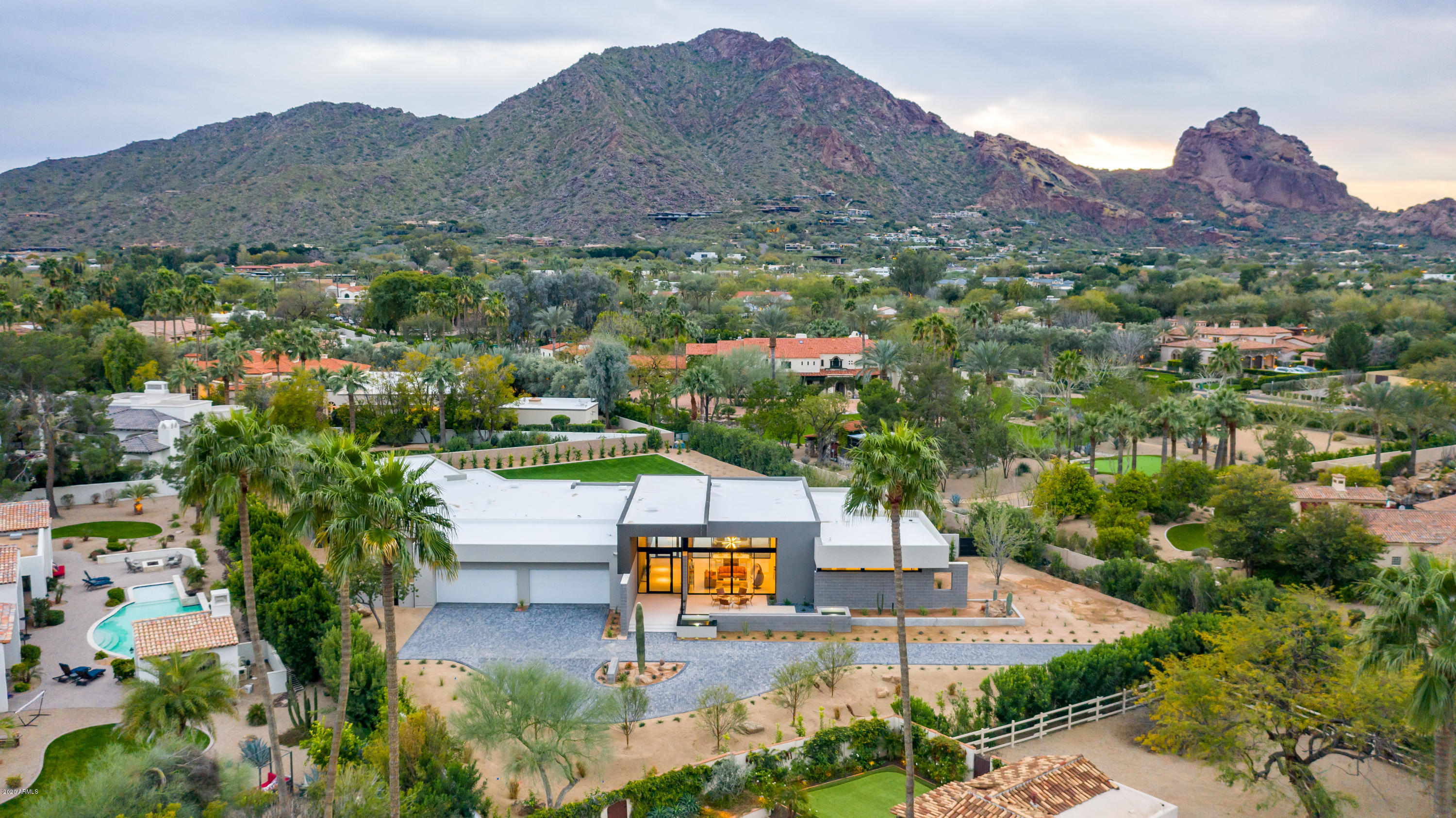 Photo of 6005 E LINCOLN Drive, Paradise Valley, AZ 85253