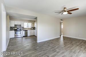 7914 E LATHAM Street, Scottsdale, AZ 85257