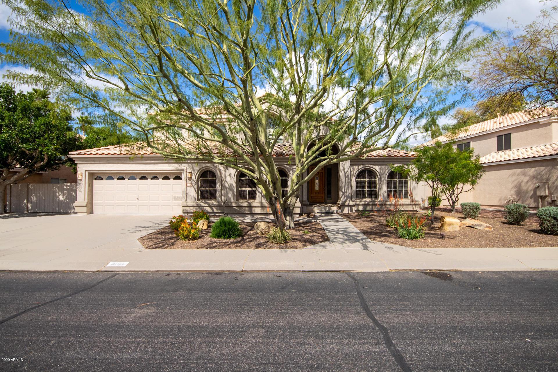 Photo of 1808 W CANARY Way, Chandler, AZ 85286