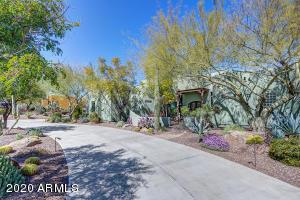 524 W OLESEN Road, Phoenix, AZ 85085