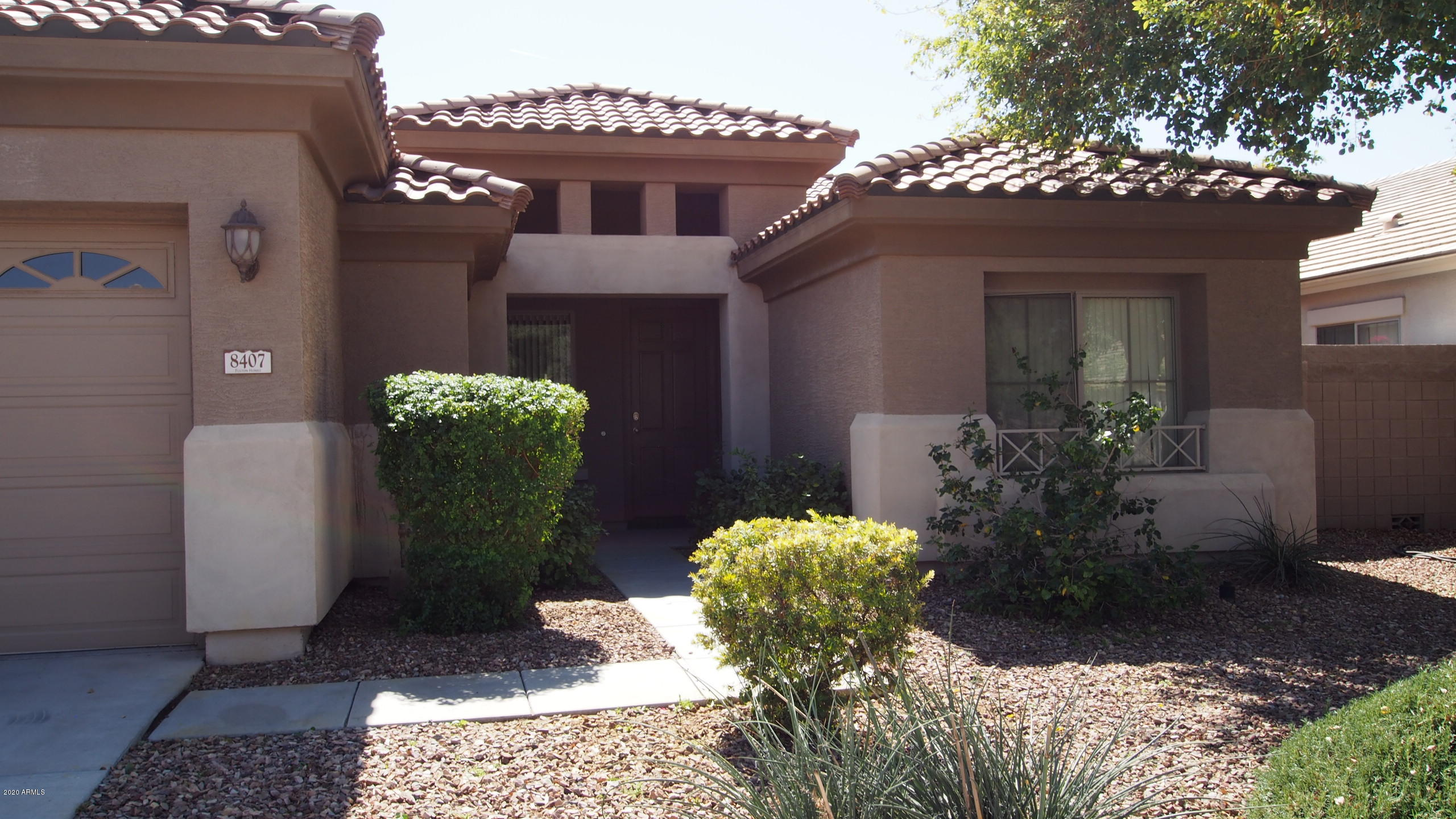 Photo of 8407 W MYRTLE Avenue, Glendale, AZ 85305