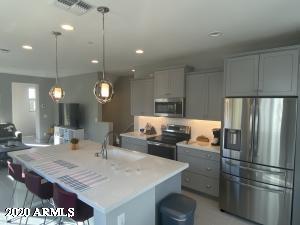 2794 S Harmony Avenue, Gilbert, AZ 85295