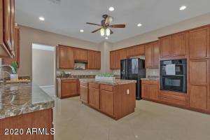 3959 E LIBRA Place, Chandler, AZ 85249