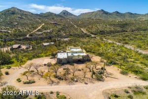 Home sits on a beautiful Sonoran desert level lot