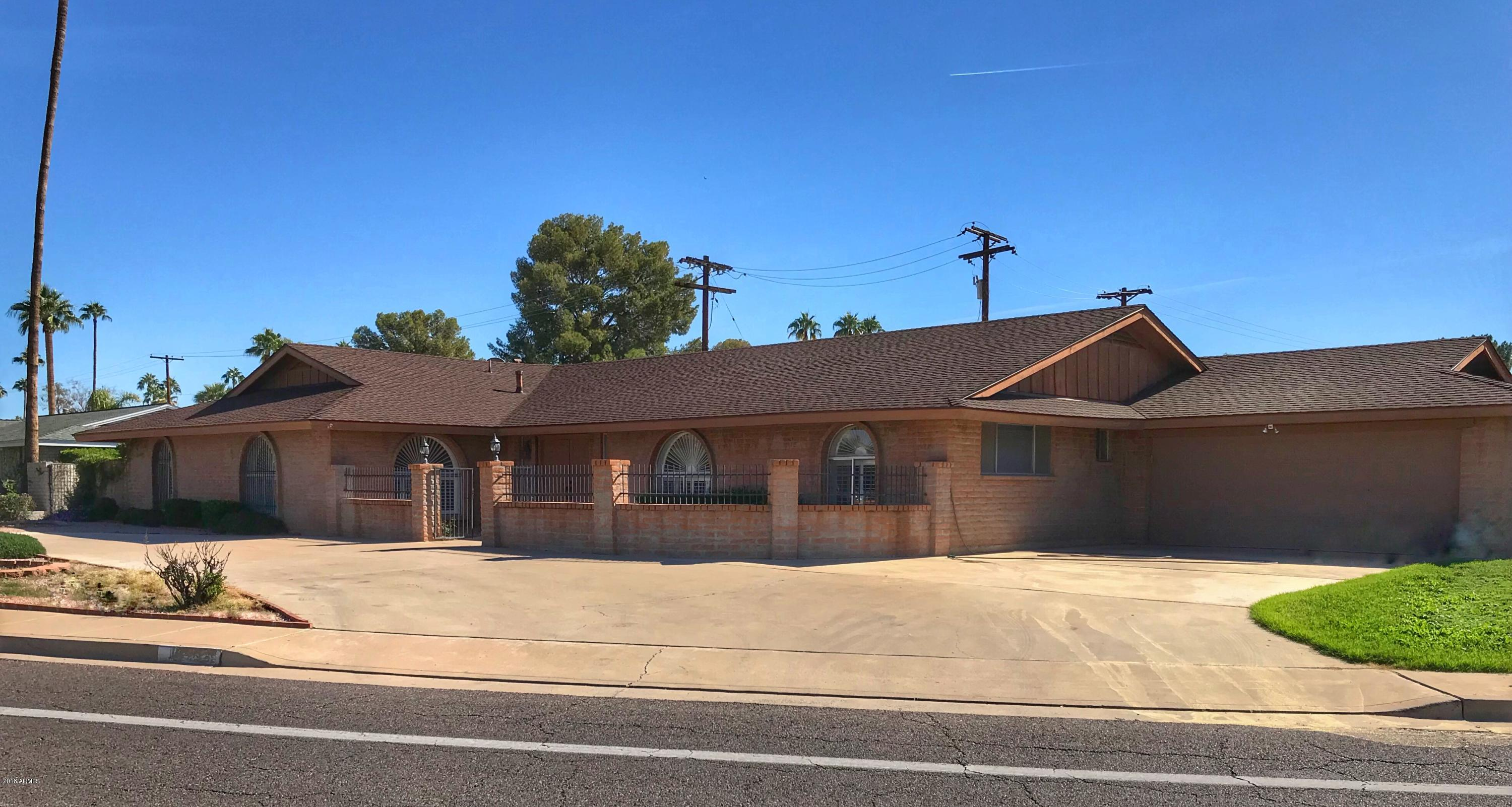 Photo of 14201 N CANTERBURY Drive, Phoenix, AZ 85023