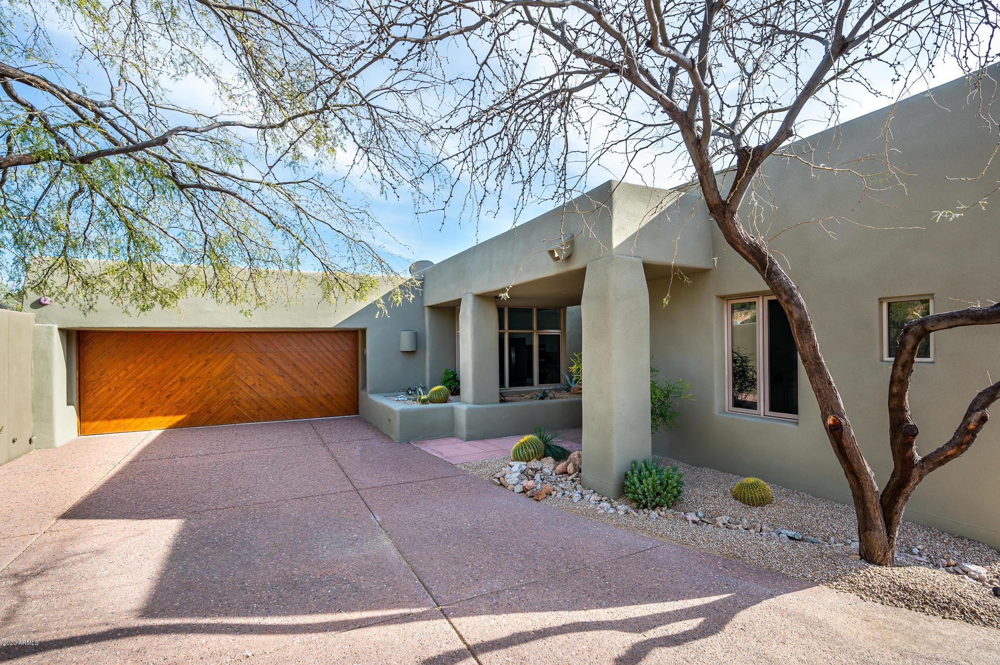 Photo of 9982 E GRAYTHORN Drive, Scottsdale, AZ 85262