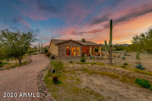 3874 N SAFARI Place, Apache Junction, AZ 85119