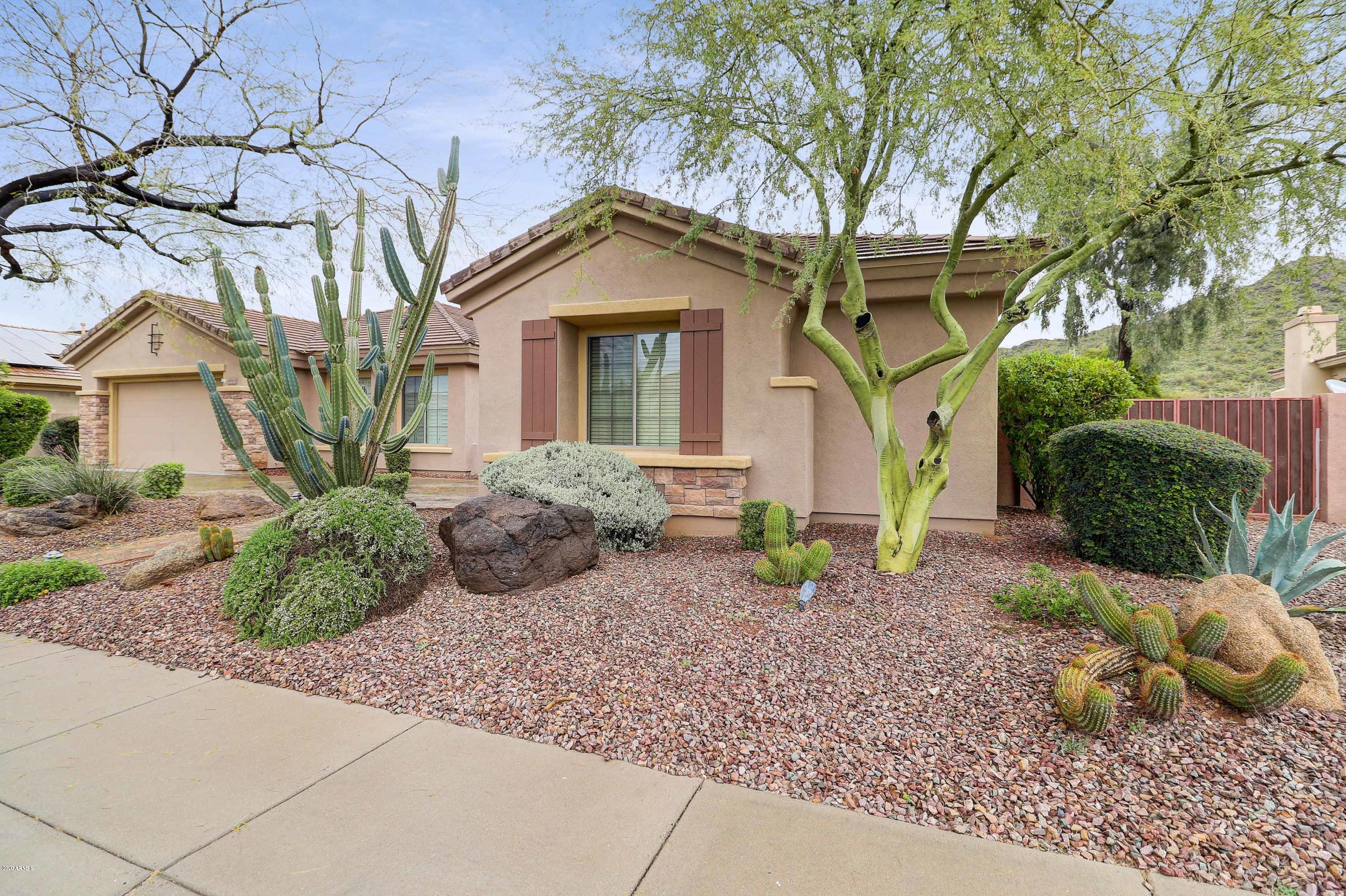 Photo of 41913 N SIGNAL HILL Court, Phoenix, AZ 85086
