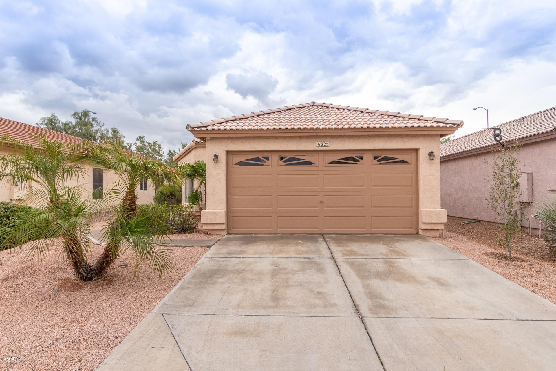 Photo of 225 N SAFFRON Circle, Mesa, AZ 85205