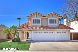 Located in the popular Val Vista Lakes - Spinnaker Bay