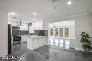 714 W MARSHALL Avenue, Phoenix, AZ 85013
