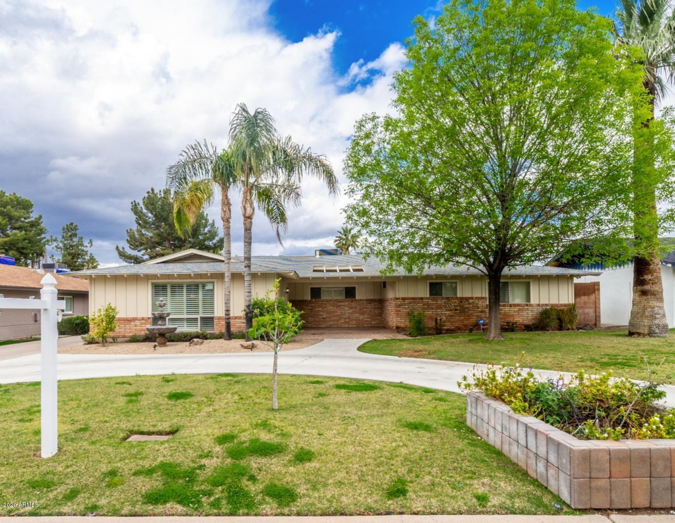Photo of 730 E HAYWARD Avenue, Phoenix, AZ 85020